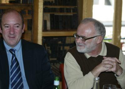 Philippe Sudres, directeur du service de presse du Tour de France, en tandem avec Serge Laget, iconique responsable des archives de <em>L'Équipe</em>. Deux parfaits connaisseurs de la presse et de l'histoire du cyclisme.
