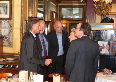 Paul Belmondo, passionné de cyclisme comme son père, a rejoint Jean-Marie Leblanc, l'ancien directeur du Tour de France, Éric Marchyllie, responsable sponsoring de Carrefour France, Rosine Goddet et Henri Montulet, ancien rédacteur en chef de <em>La France cycliste</em>. Il est l'heureux invité ès qualités de ce 12<sup>e</sup> Prix Jacques-Goddet.