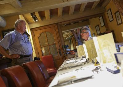 C'est Jean-Marie Leblanc qui le lui avait demandé, en 2004 : « Crée-nous quelque-chose pour les journalistes présents sur la course… » Treize années plus tard, la complicité entre l'ancien directeur du Tour de France et Christophe Penot, l'organisateur, reste la même — toujours dévouée au rayonnement du Prix Jacques-Goddet qui récompense, de Tour en Tour, le meilleur article écrit en langue française.