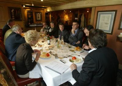 Passe d'armes entre Michel Dalloni et Christian Montaignac, sous le regard de Christophe Penot, l'organisateur. L'une des nombreuses scènes de vie d'un jury très dynamique !