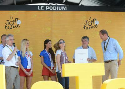 Christophe Penot, l'organisateur, a pris le micro pour saluer non seulement Anna Jaegy, mais aussi les dix années du beau partenariat noué entre le Prix Jacques-Goddet et le groupe Carrefour. Parce que le Prix Jacques-Goddet, c'est beaucoup plus que le Prix Jacques-Goddet…