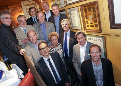 La photographie traditionnelle du jury rassemblé autour de Rosine Goddet. Maintenant, il ne reste plus qu'à débattre!