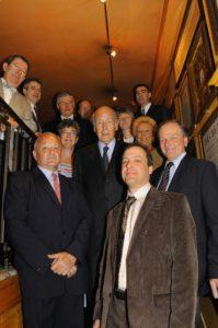 Les jurés du 4e Prix Jacques-Goddet prennent la pose. Peut-être sont-ils un peu plus solennels qu'à l'ordinaire !