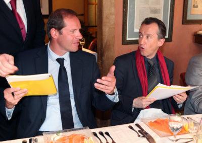 Toujours ardent pour défendre les articles qu'il aime, Christian Prudhomme monte à l'assaut. Christophe Barbier semble ici sur la défensive!