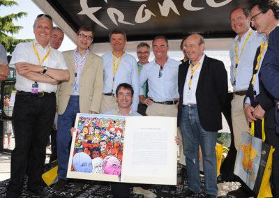 Un bonheur presque lourd à porter ! À hauteur des photographes, Gilles Comte, lauréat du 9<sup>e</sup> Prix Jacques-Goddet, ouvre très largement un portfolio qui permet d'admirer l'œuvre d'Erró, star mondiale de la peinture contemporaine.