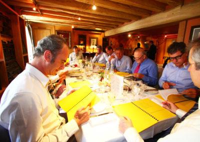 Président de la Société des rédacteurs du <em>Monde</em>, et lui-même ancien reporter sur le Tour de France, Gilles Van Kote vérifie attentivement une formule. Un invité ès qualités aux jugements très écoutés.