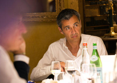 Un renfort de poids pour les délibérations du Prix Jacques-Goddet. Olivier Galzi, journaliste de télévision et ancien président du Press Club de France, incarne le mariage réussi entre le monde de l'information et le monde de l'entreprise.