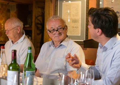 Baptême du feu ! Encouragé par Jean-Marie Leblanc, Jérôme Arnaud défend sa vision d'un nouveau lecteur happé par l'histoire quotidienne du Tour de France.