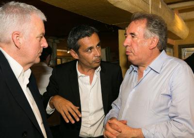 Jean-Luc Schnoebelen, Olivier Galzi et François Bayrou se donnent rendez-vous à Pau. Pour le plaisir d'évoquer le succès de Jean-Luc Gatellier, journaliste primé après trois tours de scrutin.