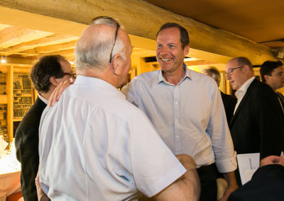Accueil, encore ! De toute évidence, Christian Prudhomme et Jean-Marie-Leblanc, l'actuel et l'ancien directeurs du Tour de France, se retrouvent avec un immense plaisir.