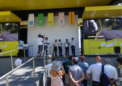 Ambiance Tour de France ! Une aimable parenthèse tandis que les coureurs du Tour de France disputent un contre-la-montre capital aux pieds des Pyrénées.