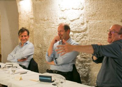 Philippe Brunel élu seizième lauréat du Prix Jacques-Goddet pour un exceptionnel portrait d'Eddy Merckx. Dans l'élan d'un Jury bien mené, Philippe Sudres explique sans doute à Christian Prudhomme et François-Xavier Lefranc qu'il a visé en plein dans le mille !