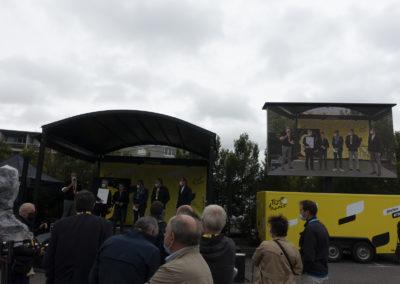 Quand un ciel bas et lourd… Mais, en ce 14 juillet 2021, au Village du Tour de France, à Muret, rien n'empêchera la remise joyeuse du 17e Prix Jacques-Goddet, en direct et sur grand écran.